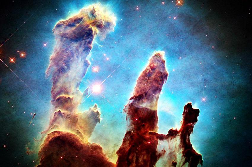 """科学家拍到星际大战?宇宙深处亮光闪射,""""创生之柱""""已被摧毁!"""