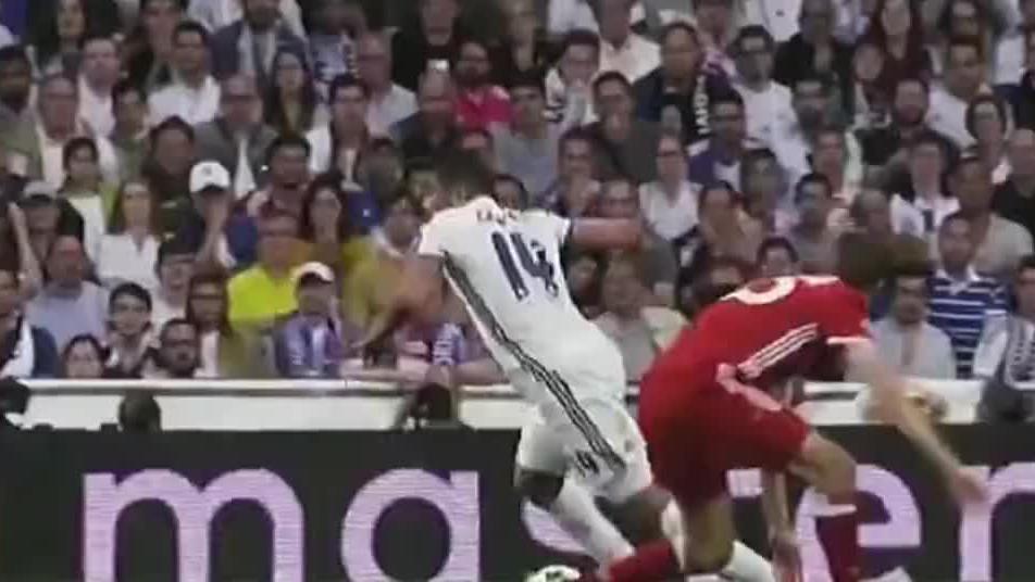 欧冠之王C罗 半决赛对阵拜仁2场打进4球,直接带领皇马打进决赛