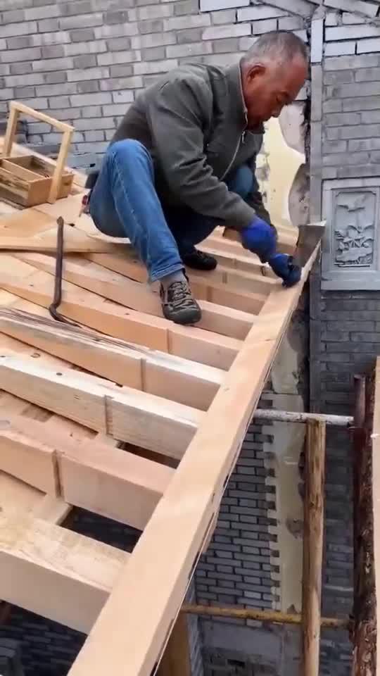砖木结构建筑,用料非常讲究,大户人家才能享受起!
