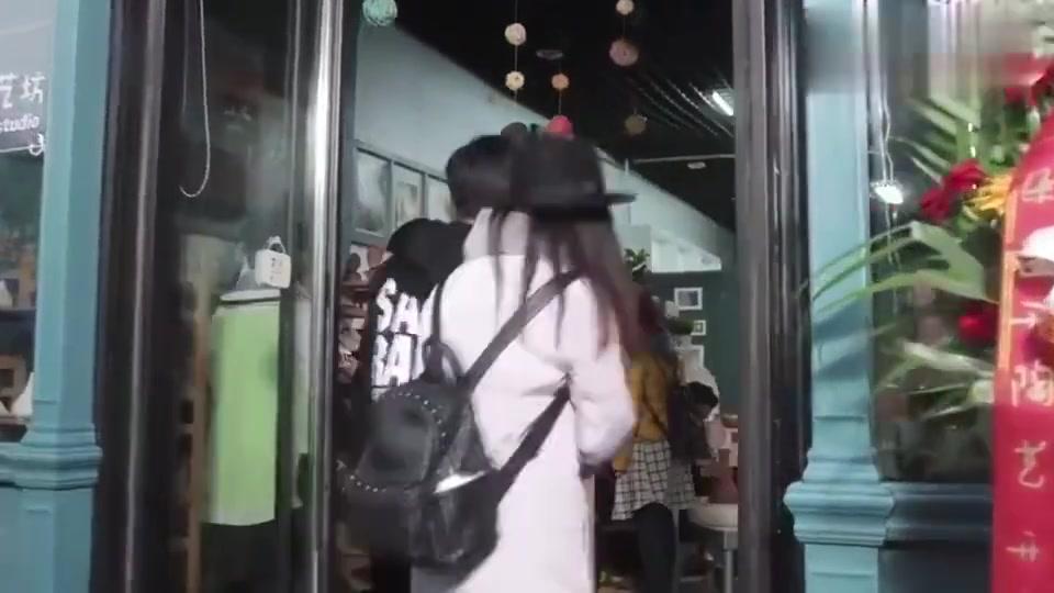 盛开离开罗耀辉,顺风又顺水,自己的小店生意爆满