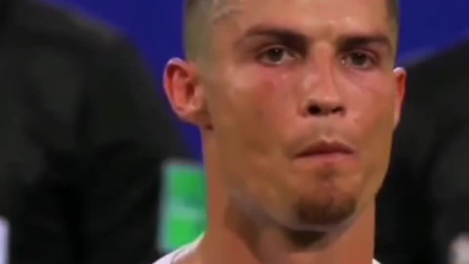 18年世界杯梅西C罗同一天淘汰出局,天下足球这段文案让人流泪
