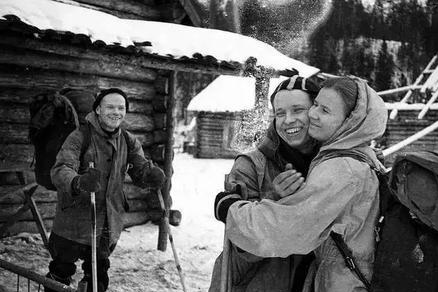 10名大学生登雪山9人遇难,异常自然力量所致?60年后死因仍无解