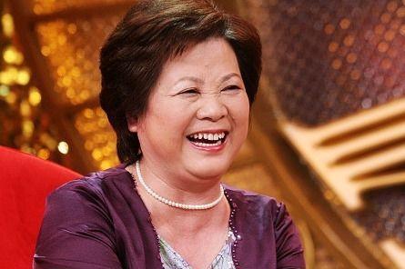 """同为上海人,姚明与柏万青童年""""丢手绢""""版本不一致,最爱是家乡"""
