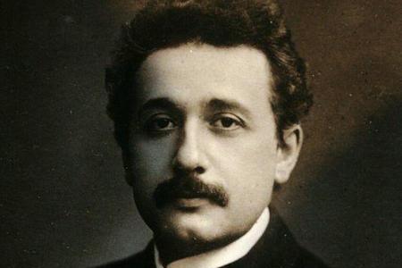 历史上爱因斯坦的三个孩子中为何有两个孩子都是疯子?