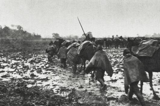 淞沪战场日寇用侦察气球引导炮击,一天时间我军两个营几乎被打光