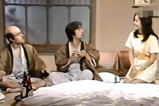 志村健与邓丽君合照曝光,二人多次合作,旧照中青涩稚嫩