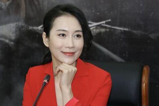 她是海清同学,为给父母买房疯狂接戏,如今41仍是单身!