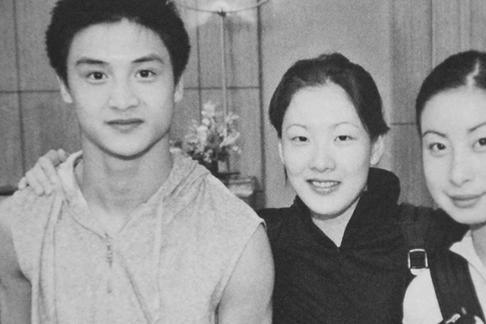 跳水女王伏明霞发福明显,与父母断关系嫁大26岁老头,已生3胎