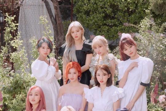 TWICE《MORE & MORE》成韩国最畅销女团专辑