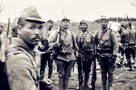 学习日军28年,败逃台湾后,蒋介石糊涂了