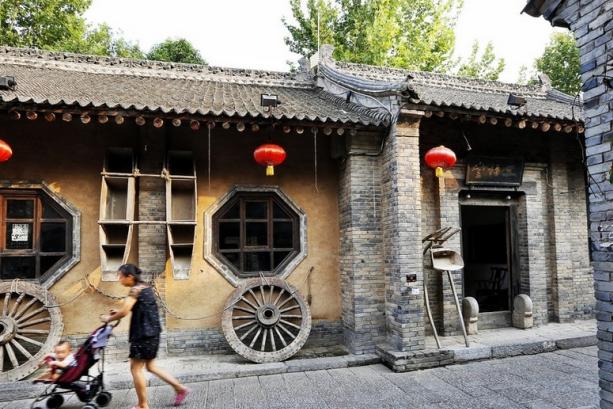一个只有286人的陕西袁家村,日游客接待量达18万人,年收入过亿
