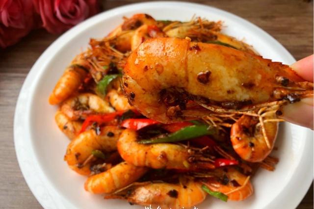 它有淡水虾王的美称,蛋白质含量超高,易消化,家人常吃身体棒