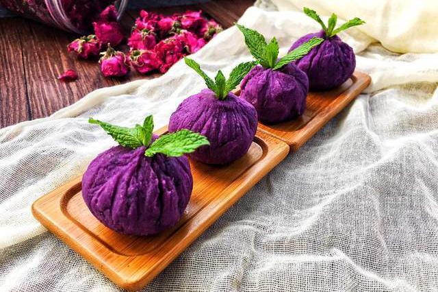 糯米紫薯茶巾绞,软糯香甜,是一款颜值在线的日式茶点v