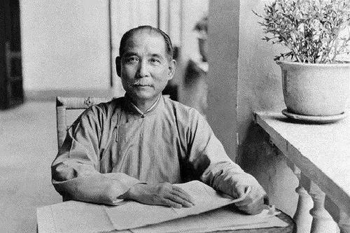"""他是""""民国吕不韦"""",孙中山的钱袋子,蒋介石当他""""革命导师"""""""