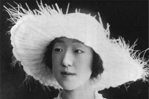 日本长寿皇后:长相丑陋还有遗传病,却被天皇独宠,活成爱的模样