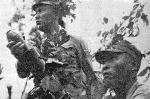 这位抗日将领假装和日军拼刺刀,日军走进射击圈,他:架机枪扫射