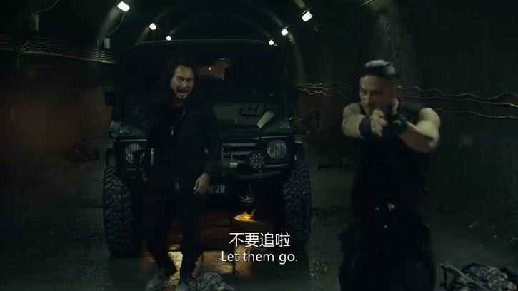 痞子英雄2:炸弹绑在黄渤身上,凶手重新启动,整条隧道被炸毁