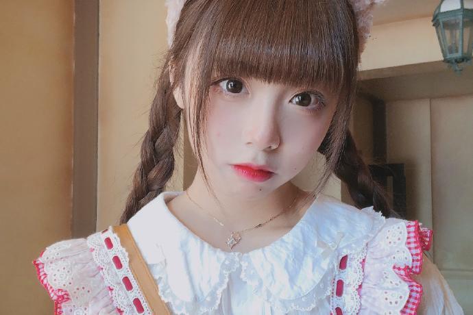 美少女歌手GNZ48-罗可嘉迷人写真美照好看