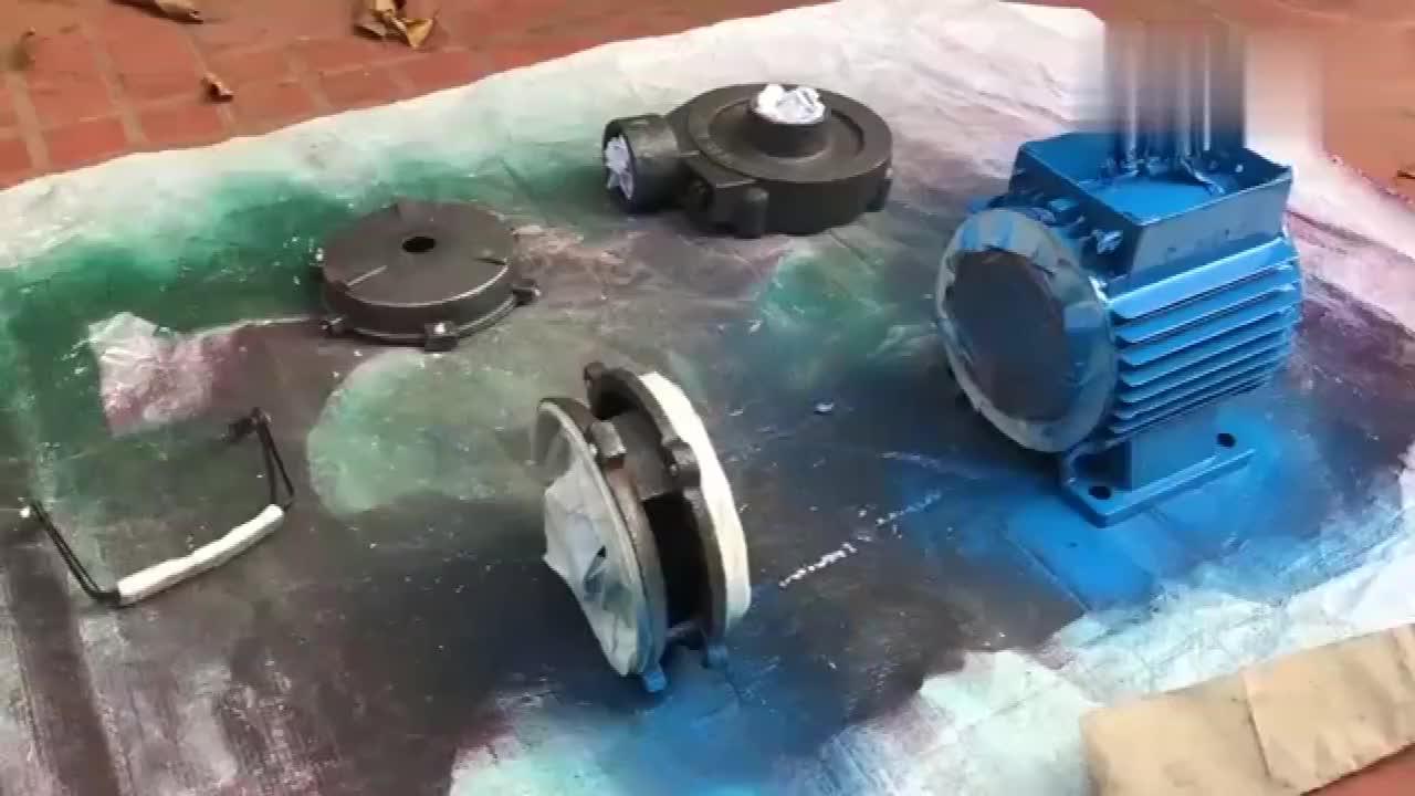 废旧抽水机,牛人折腾半天修复翻新后,成品至少值300元!