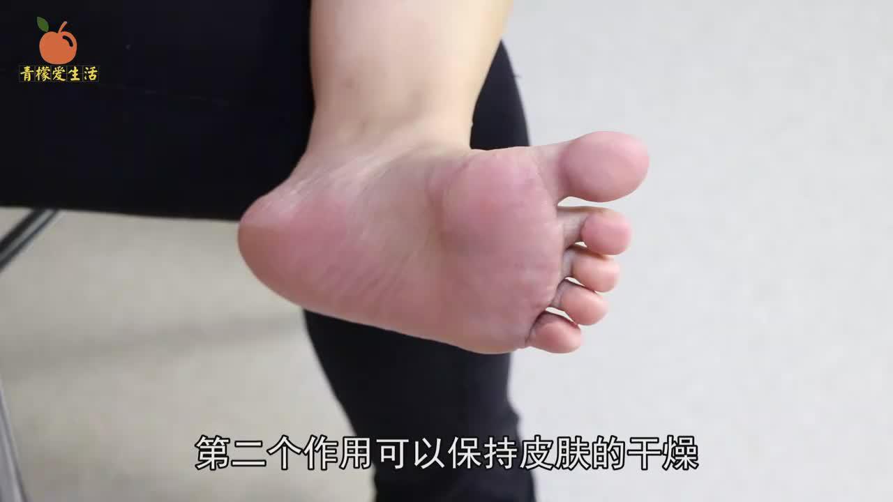 睡觉前,在脚上裹个保鲜膜,用途真的厉害了,学会回家试试