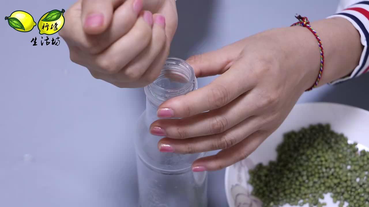 """绿豆放置长时间成""""粉末""""?袋子里放个小物件,一年不发霉不生虫"""