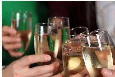 古代饮酒秘术:此法喝酒能延年益寿,最重要的是做到这几点