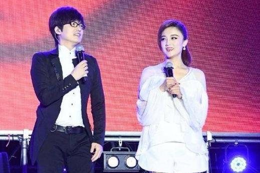 玖月奇迹王小玮与新搭档徐子崴一起演出,老公王小海未见踪影