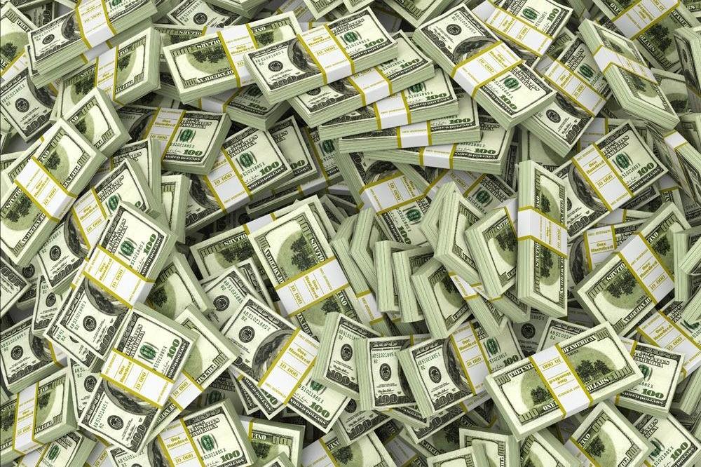 割全世界的韭菜!美国拼命印美元、进口猛增,导致大规模货运拥堵
