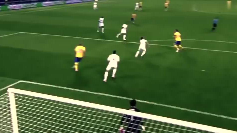 足坛高难度神仙球第一人,伊布让世界球迷惊呆的十大逆天进球