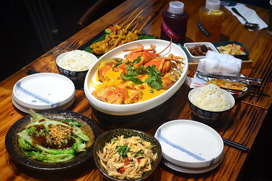在厦门也能吃到新加坡小娘惹,咸蛋黄波龙赞不绝口,你吃过吗?