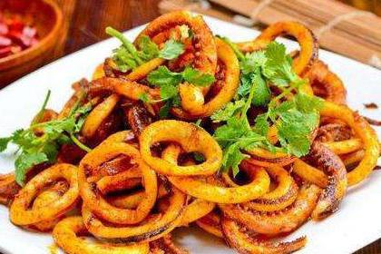 家常菜:红烧小排、炒鱿鱼丝、麻辣牛肉