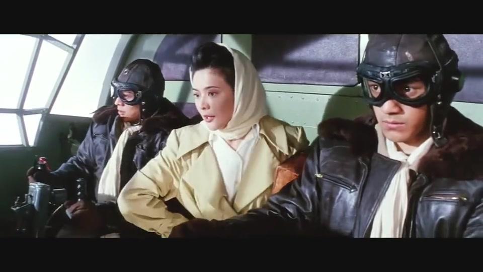 关之琳脾气太爆,飞机上跟男友大吵大闹,一言不合就要炸飞机!