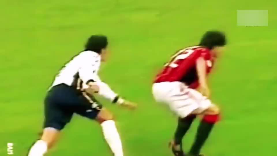 足球:梅罗之前的第一人!巅峰时期的卡卡,就是个bug!