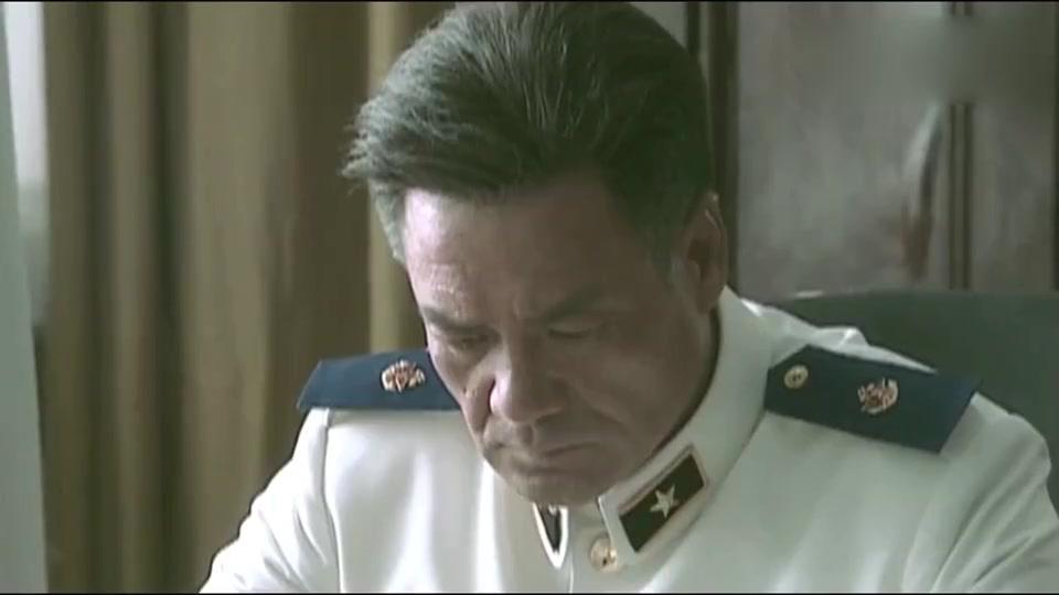 沧海:核潜艇总工程师患肺癌晚期,医院却不给床位,首长直接怒了
