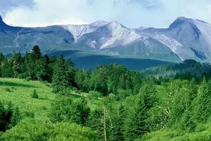 世界上最危险的火山,沉寂三百年不曾爆发,在每个盛夏惊艳时光!
