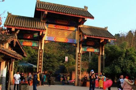 我国十分强的省会城市,不是南京武汉,而是7位皇帝在此建都的它