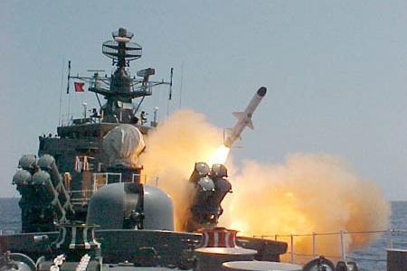 """大国利器,俄反舰武器中的翘楚,P-800""""缟玛瑙""""到底强在哪里?"""