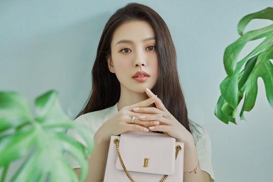 韩国女艺人高敏诗最新代言宣传照曝光