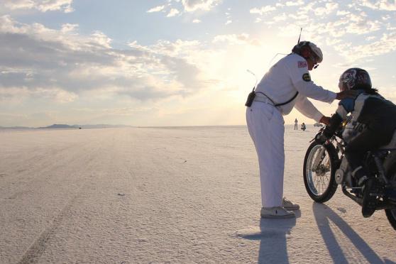 美国大盐滩:一个缔造陆地速度奇迹的地方,也是一处生命的禁区