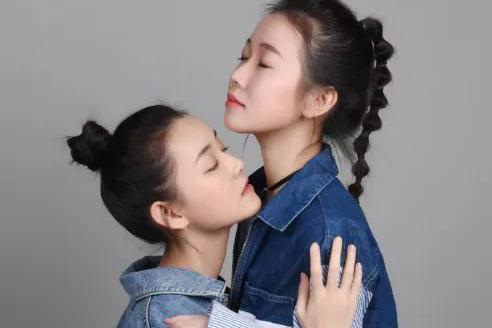 """有种""""偏心遗传""""叫蒋依依,上帝吻了妹妹脸,却给姐姐身材开了窗"""