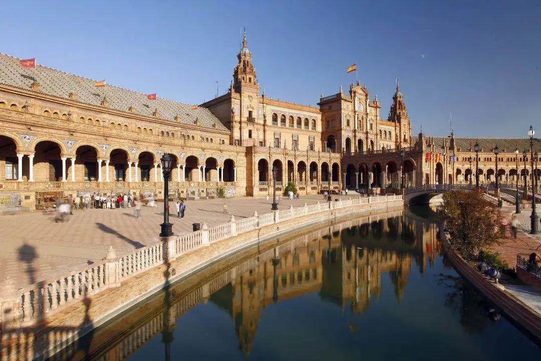 2020西班牙依然保持良好国际声誉,哪些身份能移居西班牙?
