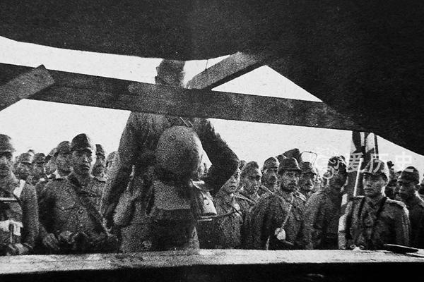 长沙会战中的王二小 把敌人引进地雷阵同归于尽 全家遭日军灭门