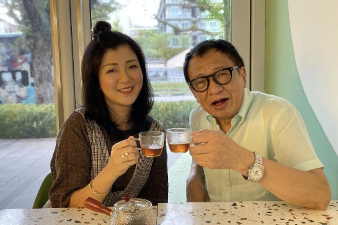 许绍雄移居狮城开咖啡店,开业三个月成网红店,父女合力生意兴隆