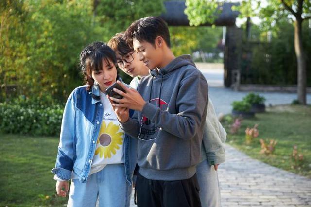 李晨加盟腾讯视频《让生活好看》独居20年不会用打车、外卖软件
