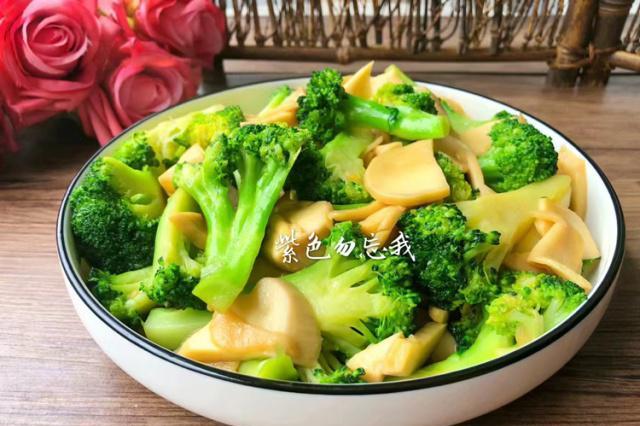 它是蔬菜之王,胡萝卜素是花菜的30倍,热量超低,想瘦身就吃它