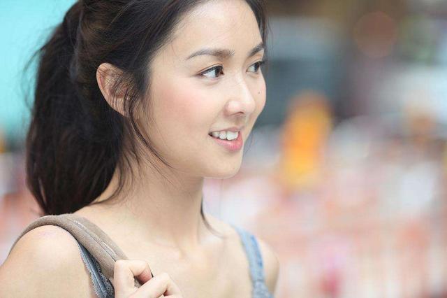 39岁薛凯琪否认与房祖名绯闻,只是闺蜜,成龙却说她不错