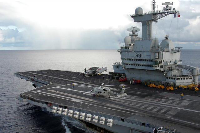 7万吨核动力航母!法国计划斥资56亿造新航母,新舰载机改为重型