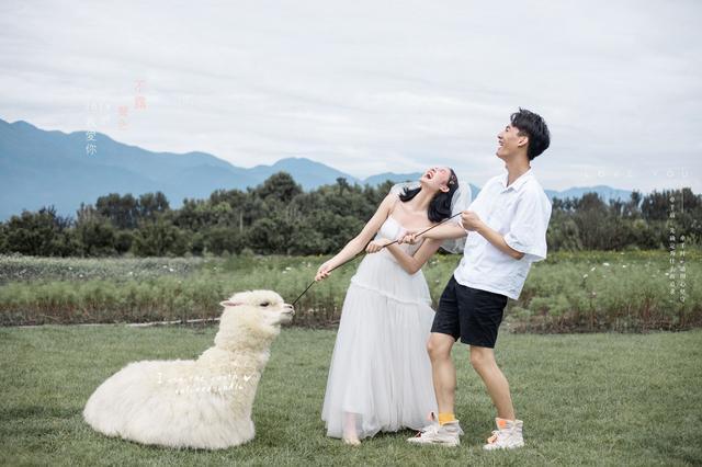 拍的好玩还清新自然,这就是新人们都想pick的丽江蜜月婚纱照