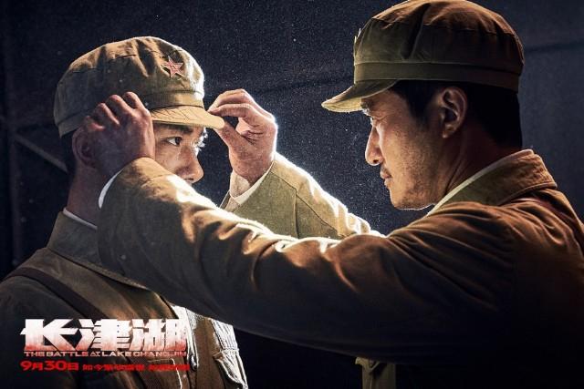 《长津湖》票房过53亿,贾玲的总票房亚军难保,吴京笑了