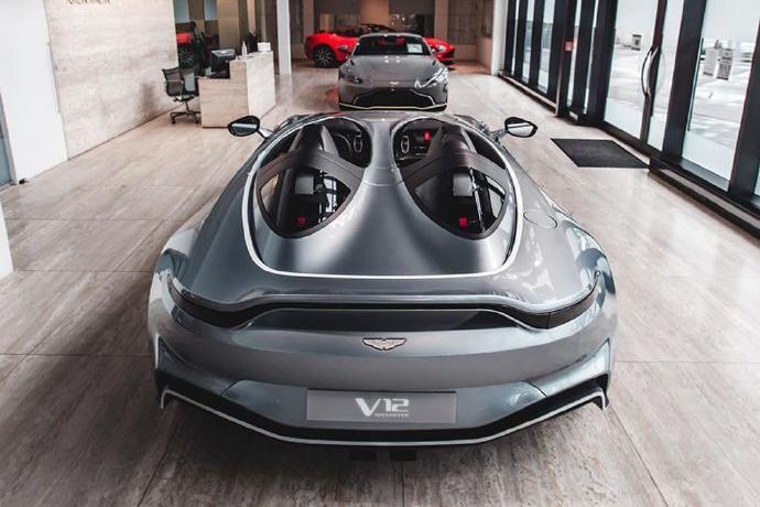 阿斯顿·马丁V12 Speedster